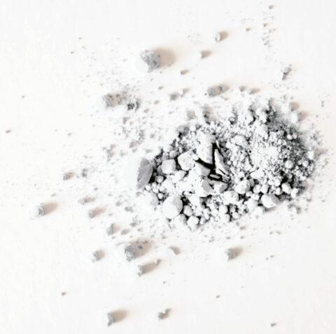 Beispiel von hellem Pulver, kein Titandioxid